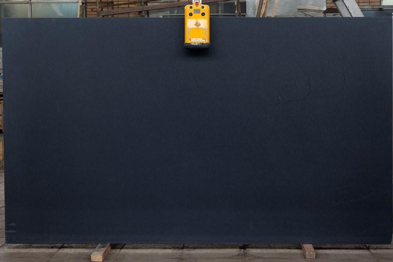 Гранит Абсолют Блэк Антик (Granite Absolut Black Antik)