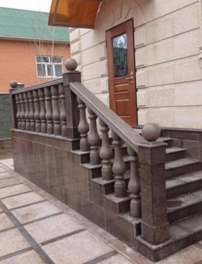 гранит куртинский балясины лестница