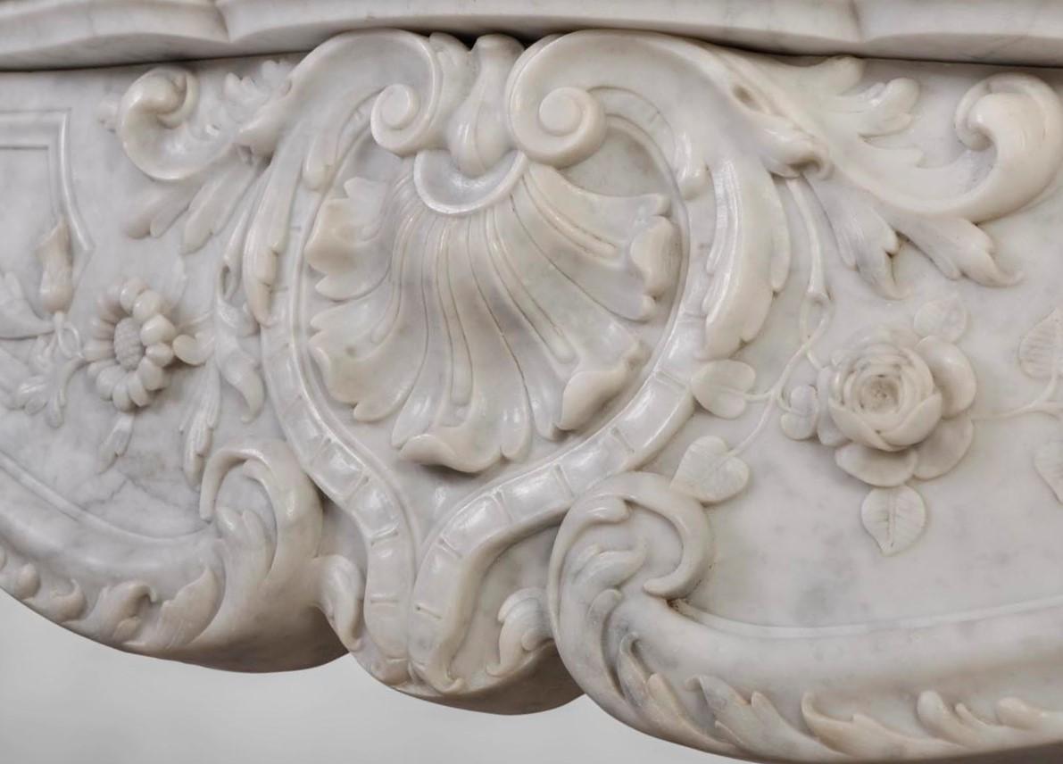 каррарский мрамор камин