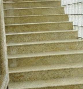 лестница гранит G682