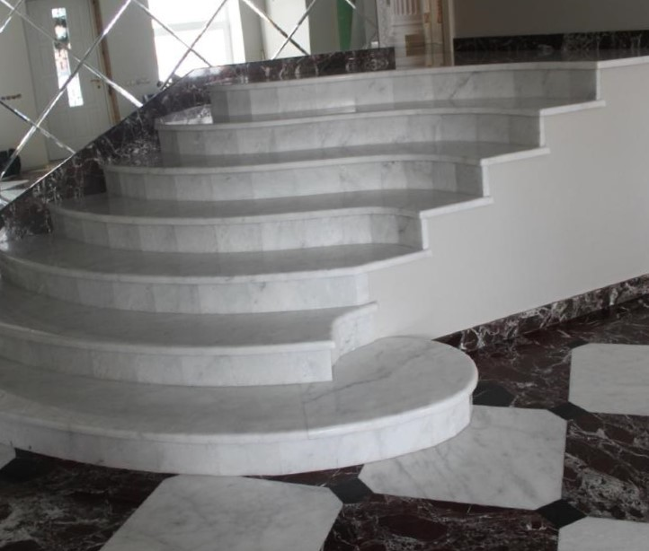 мрамор каррара лестница