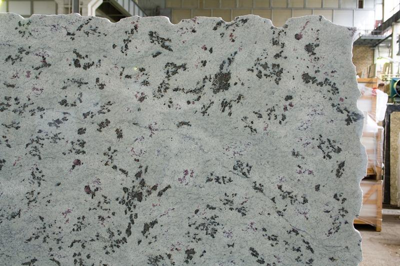 Гранит Верде Эвкалипт (Granite Verde Eucalyptus)