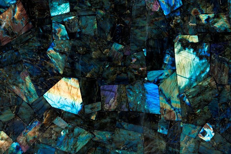 Полудрагоценный камень Лабрадорит Мадагаскар (Labradorite Madagascar)