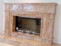 камин из камня мрамор Брекчия Оничато