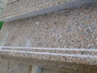 лестница гранит g562